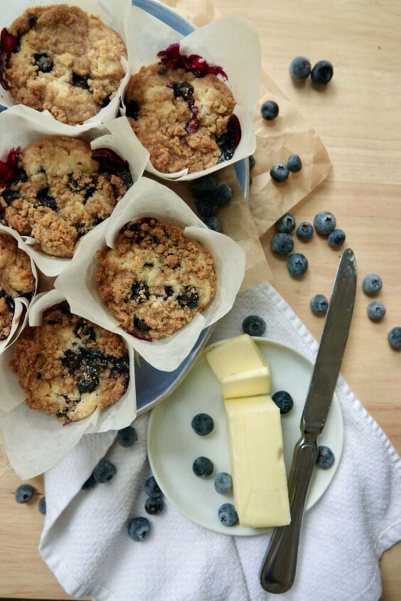 two bowl blueberry streusel muffins