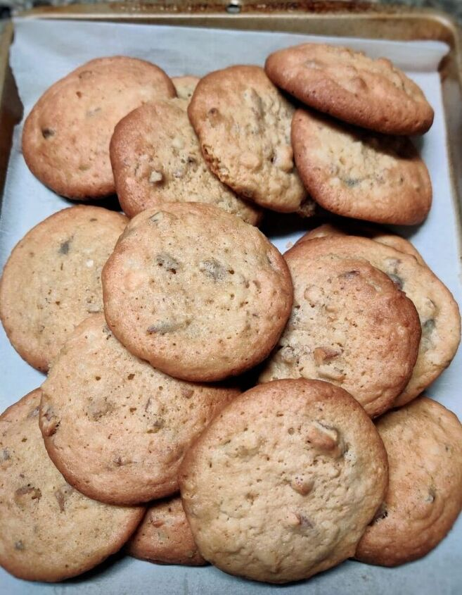 pecan coconut and chocolate chips cookies