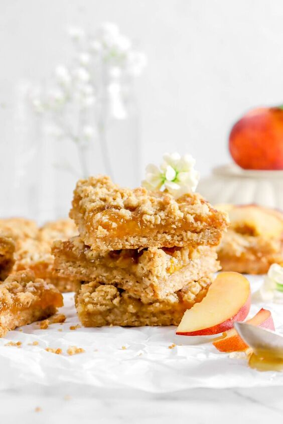 peach and nutmeg crumble bars
