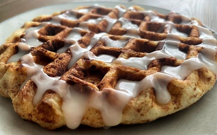 cinnamon rolls in a waffle maker
