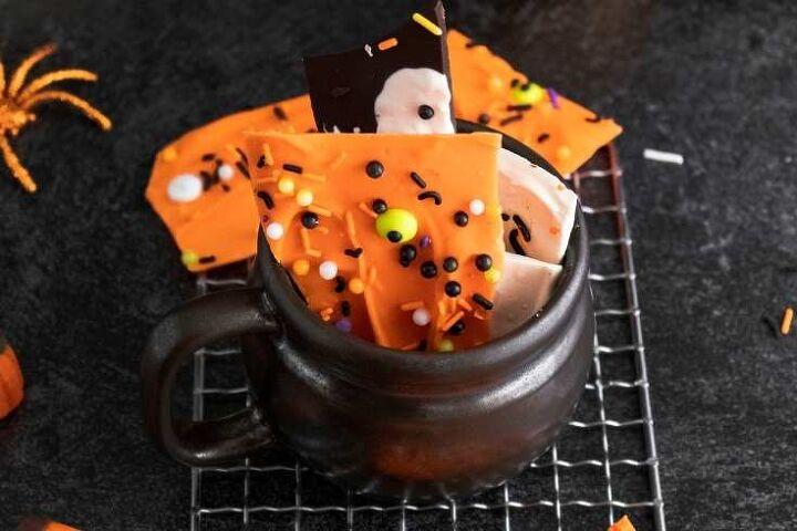 How to Make Halloween Candy Bark