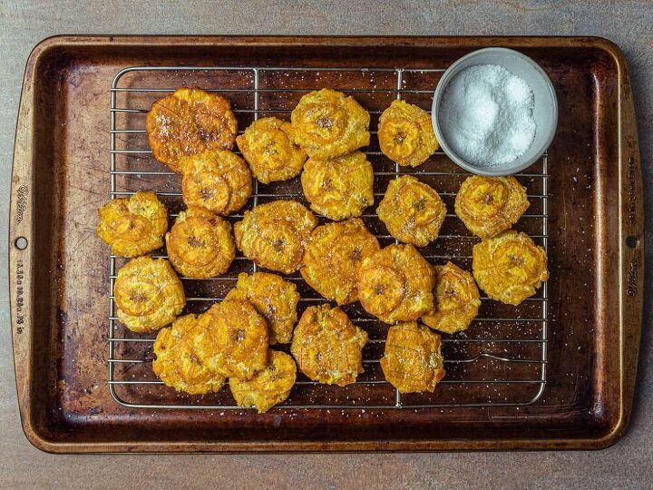 tostones fried smashed plantains