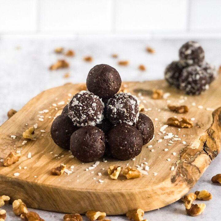 chocolatey walnut date balls