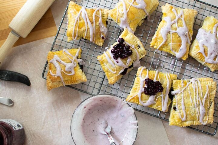 huckleberry puff pastry toaster strudels