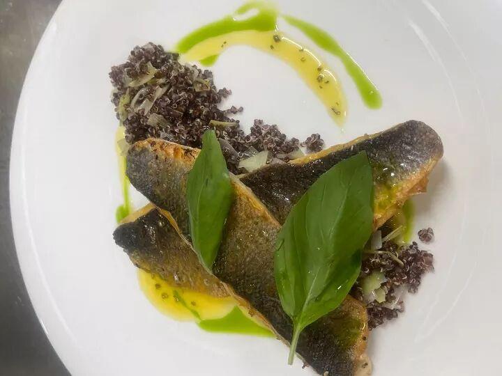 sea bass with quinoa and leeks