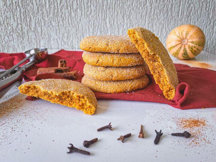 soft pumpkin spice cookies