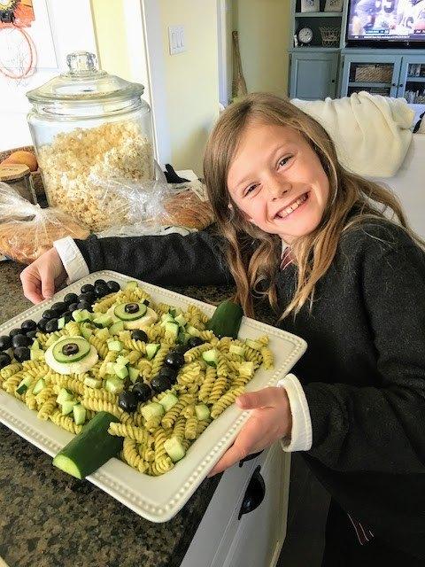 make frankenstein pesto pasta for halloween