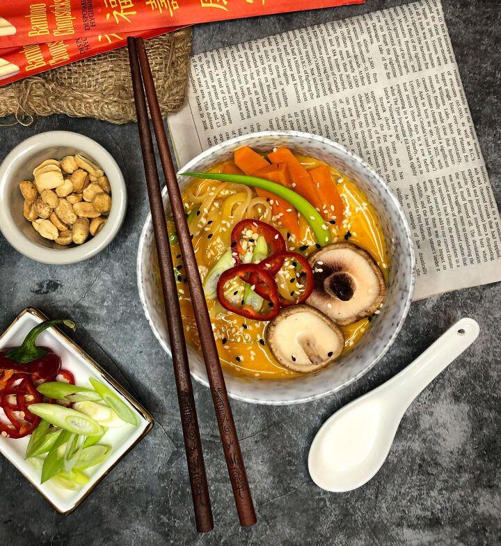 vegetable laska noodle soup