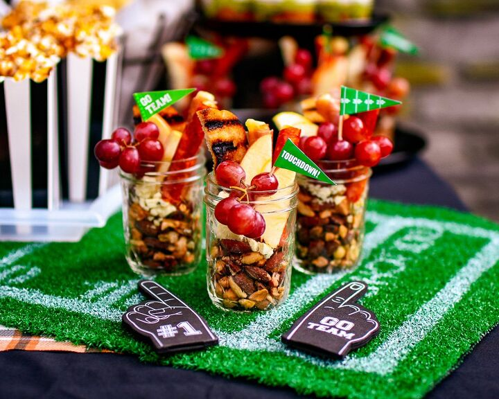 how to make jarcuterie one of our easy fall party ideas everyone love