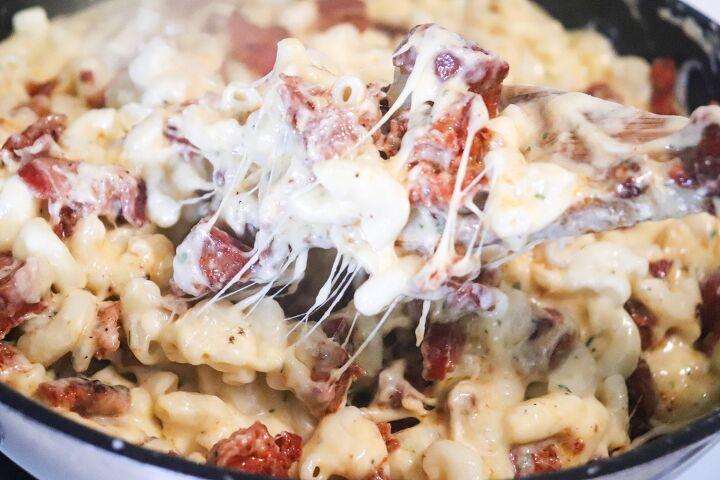 baked bacon chorizo macaroni and cheese