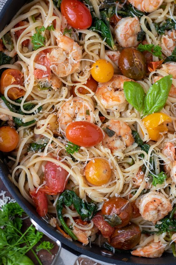 shrimp pasta with cherry tomatoes rose spinach