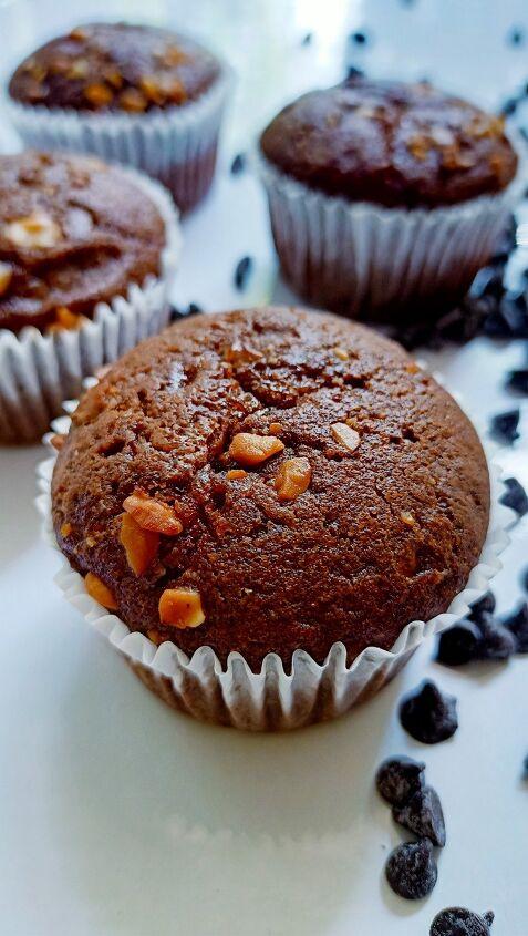 chocolate walnut muffins