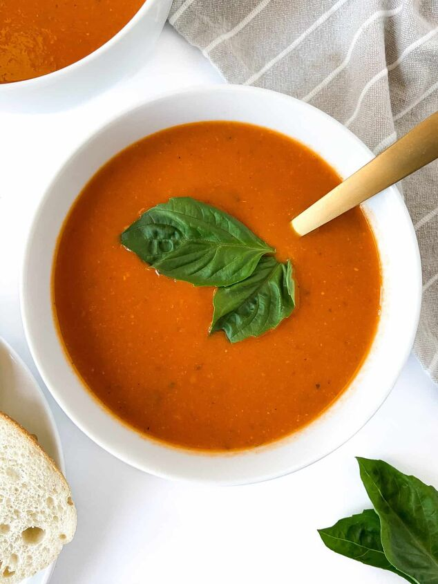 easy 10 minute creamy tomato soup