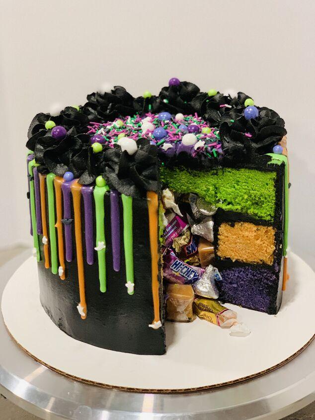 halloween trick or treat cake